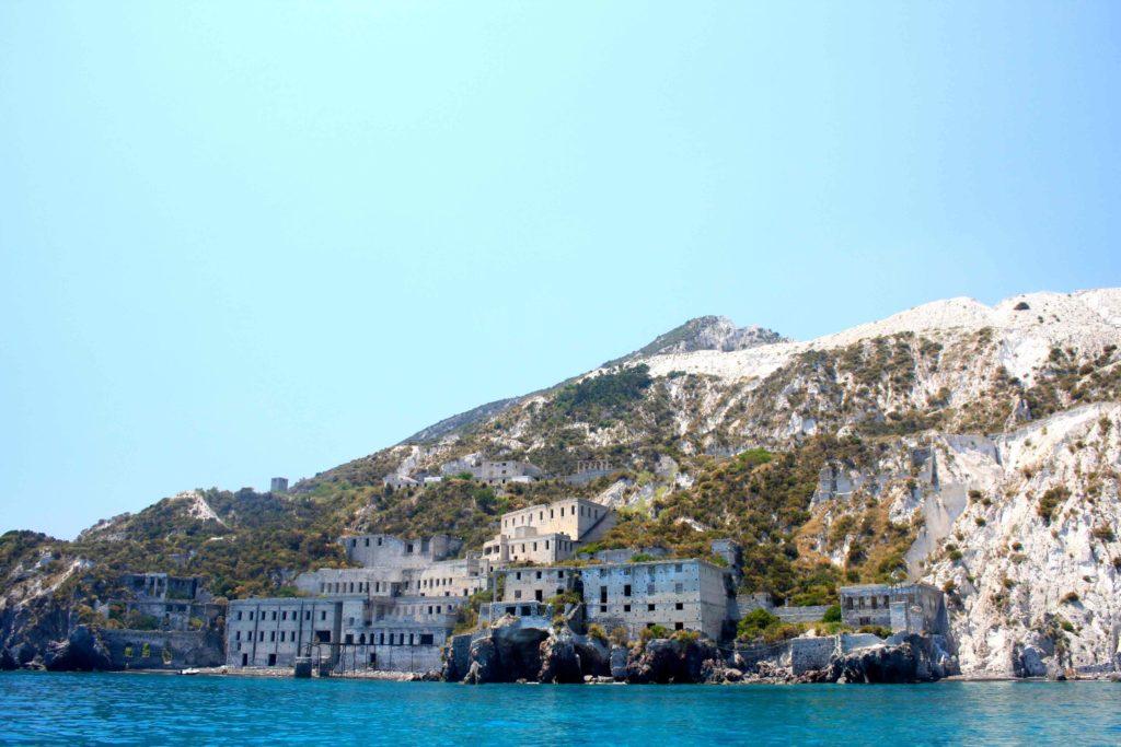 Scopri com 39 una vacanza in barca a vela alle isole eolie - Quanti bagagli si possono portare in crociera ...