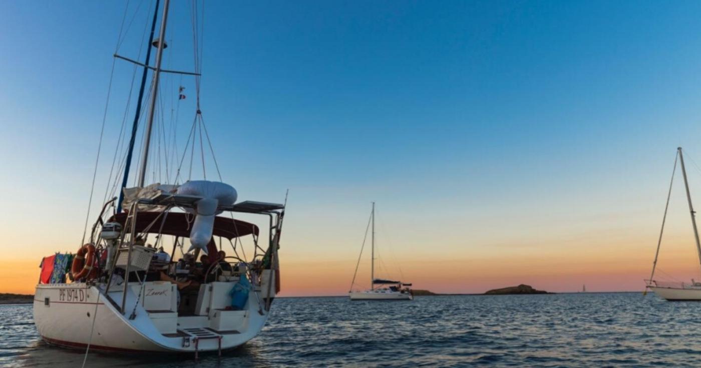 Crociere in barca a vela tramonto isola elba